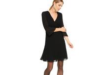 Zartes Kleid mit Plissees - Chiffon-Kleid